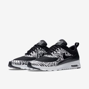 Nike Air Max Thea Black & White Print Size 7.5